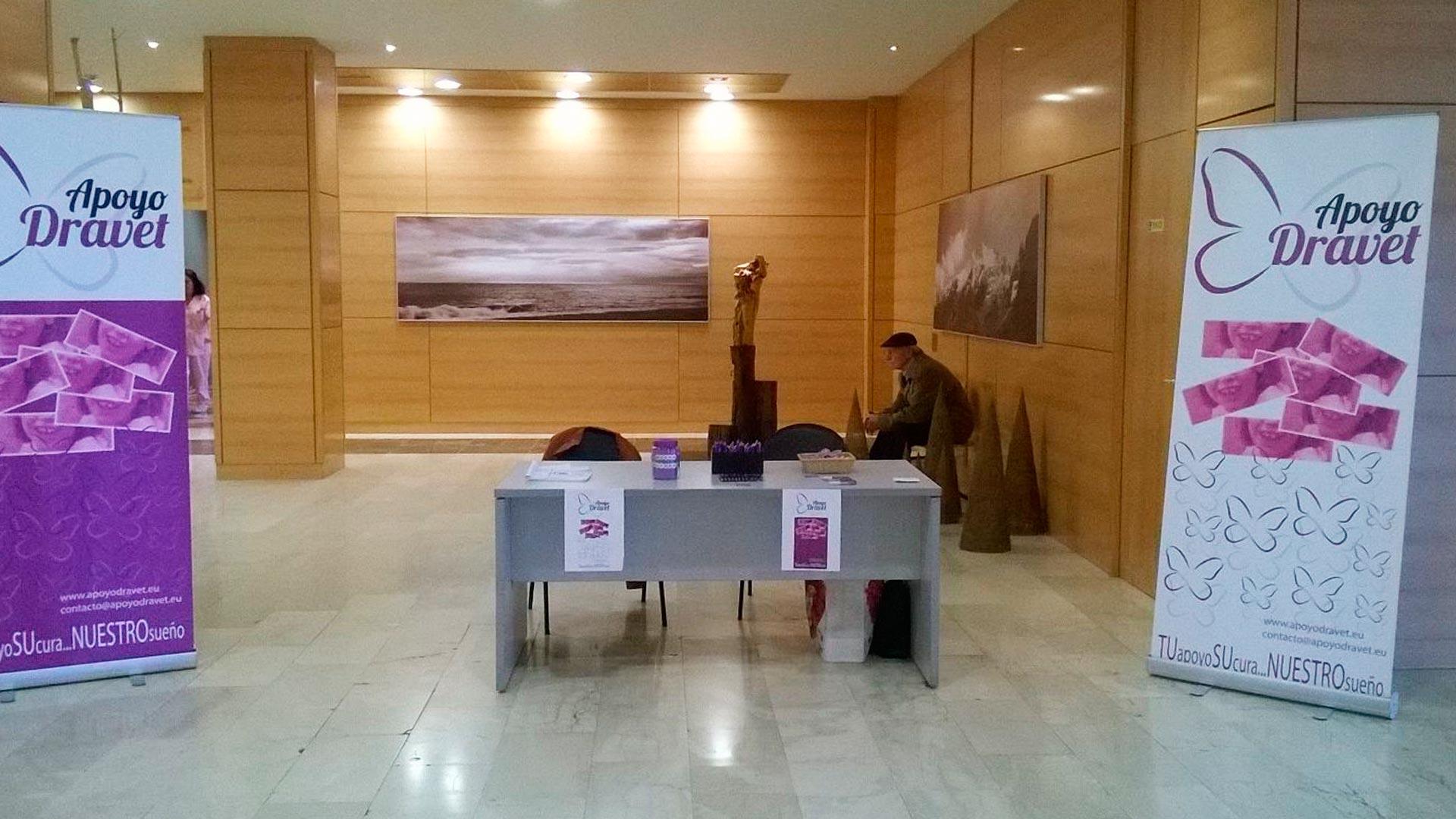 Mercadillo solidario Hospital Universitario de Donostia
